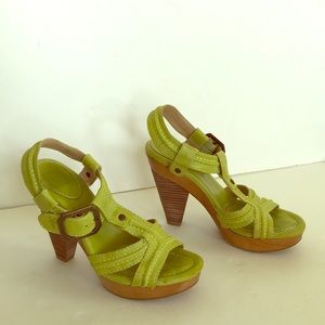 FRYE  Sage Trapunto Lime Green Leather Sandals